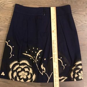 Anthropologie Skirts - Anthropologie Navy Skirt with flowers size 4